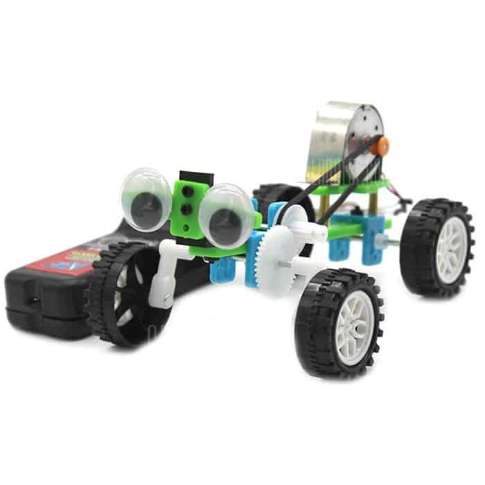 Tecnologia del fai-da-te piccolo modello di giocattolo per rettili a occhi chiusi con piccolo filo