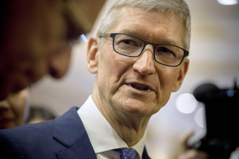 Tim cook made over  million in 2018