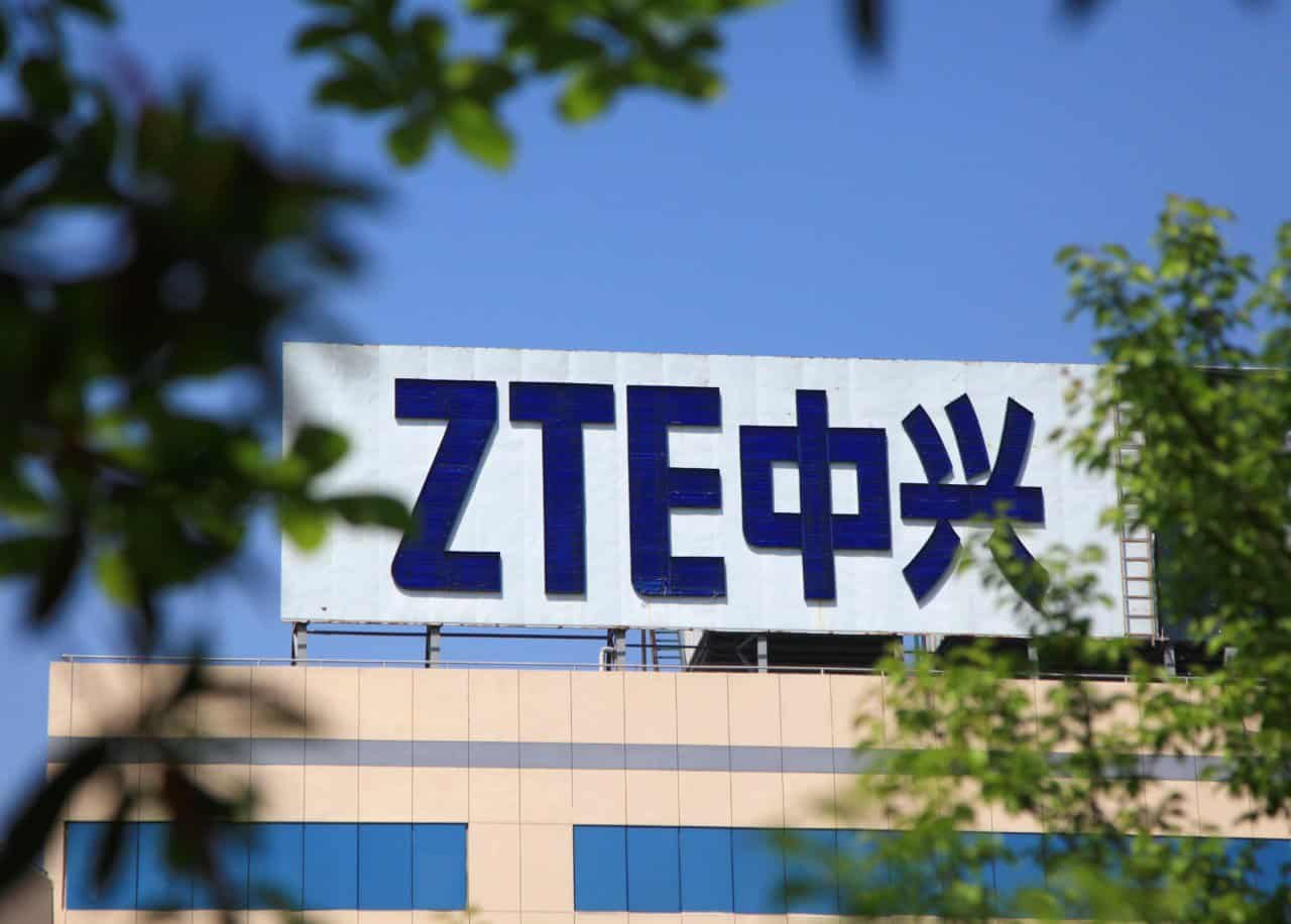 ZTE posts a record $1 billion loss