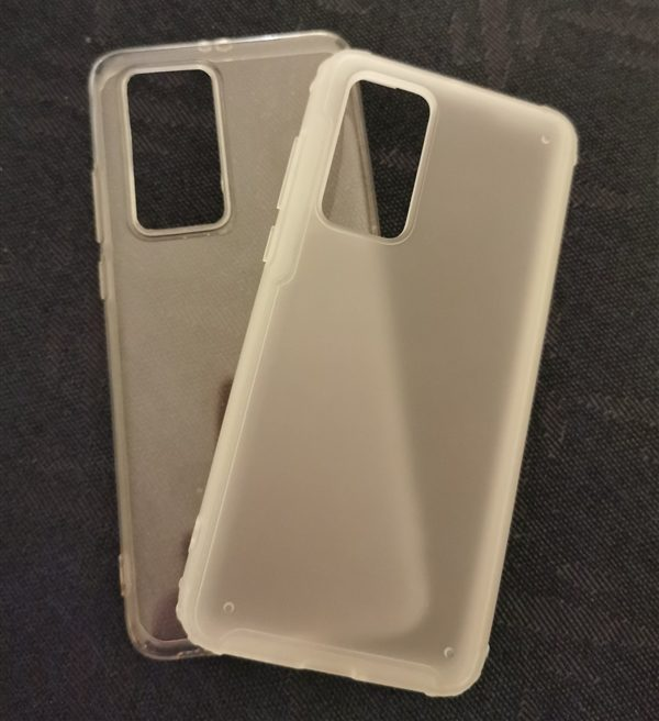 Huawei P40 and P40 Pro silicone cases show the camera setup 2