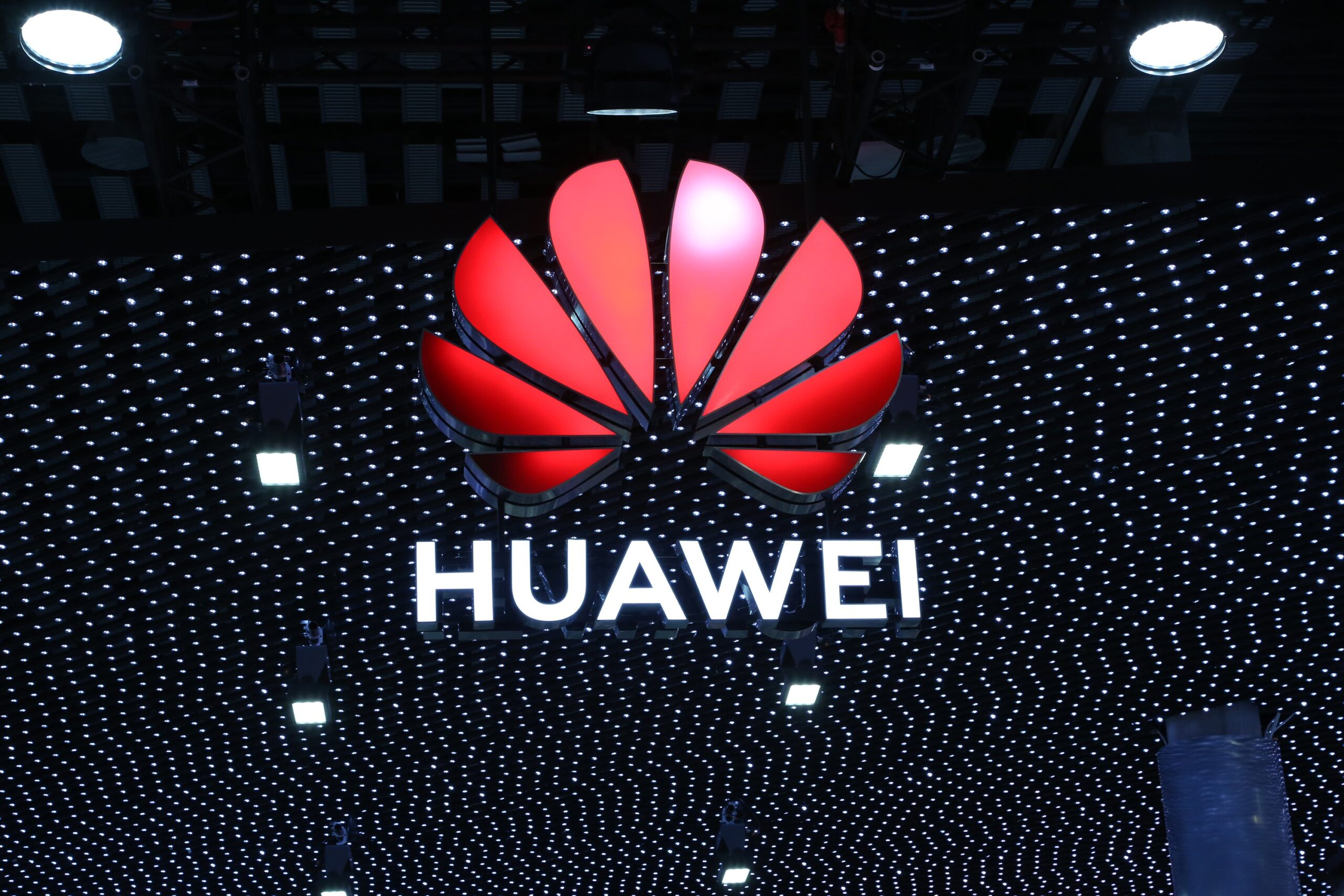 Huawei slows down smartphone production due to recent US Sanctions 2